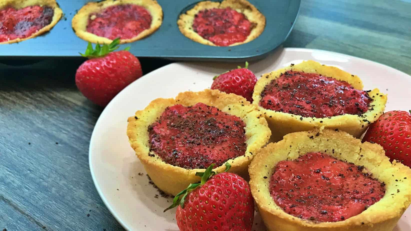 Keto Strawberry Chocolate Mini Pies Recipe